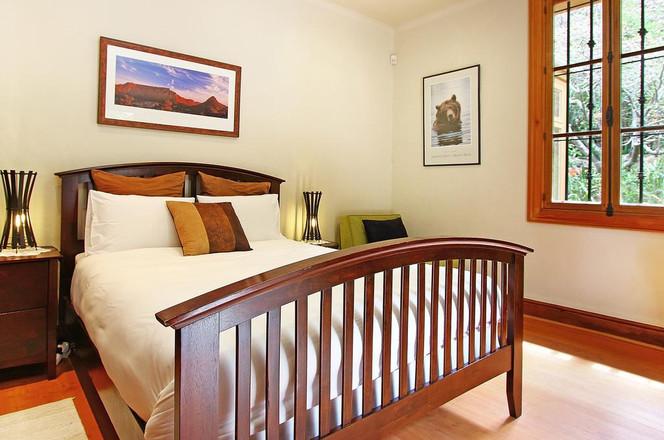 Room Gordes Bedroom