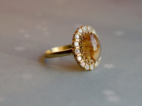 Picture Agate Diamond Halo Cocktail Ring in 18k Yellow Gold