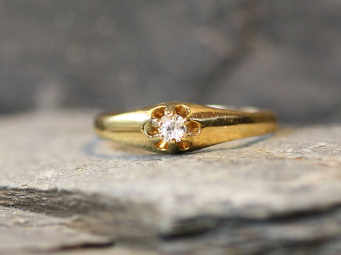 Antique Victorian Diamond Belcher Engagement Ring with 0.12 cts Old Mine Cut Dia