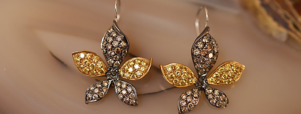 Outstanding 1.60 cts Yellow & Brown Diamond Flower Drop Earrings in 18k Gold