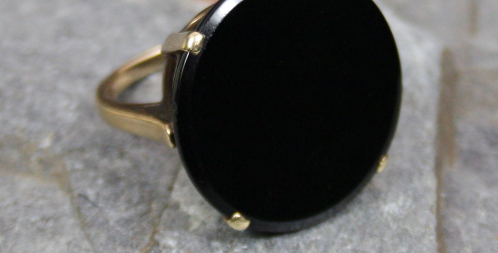 Fabulous Art Deco Large Onyx Ring in 10k Yellow Gold
