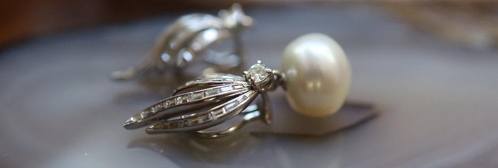 Platinum Diamond Retro Earrings / Flaming Baguette Diamond South Sea Pearls