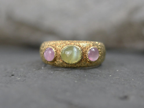 Buccelatti Three Stone Ring Chrysoberyl and Rose Quartz  in 18k Yellow Gold
