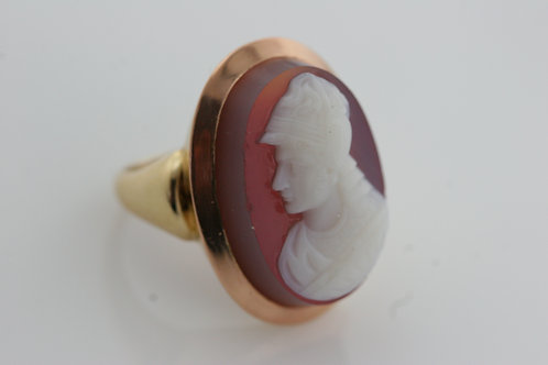 Victorian Stone Cameo Ring Carved Agate 14k yellow gold
