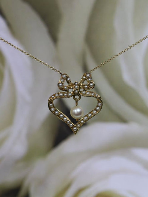 Large Victorian Heart with Bow Pearl Necklace in 14k Yellow Gold