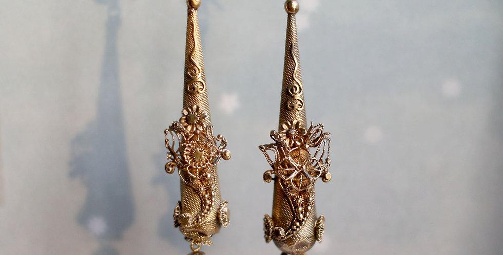 Fabulous Victorian Etruscan Revival Drop 15k Gold Torpedo Earrings