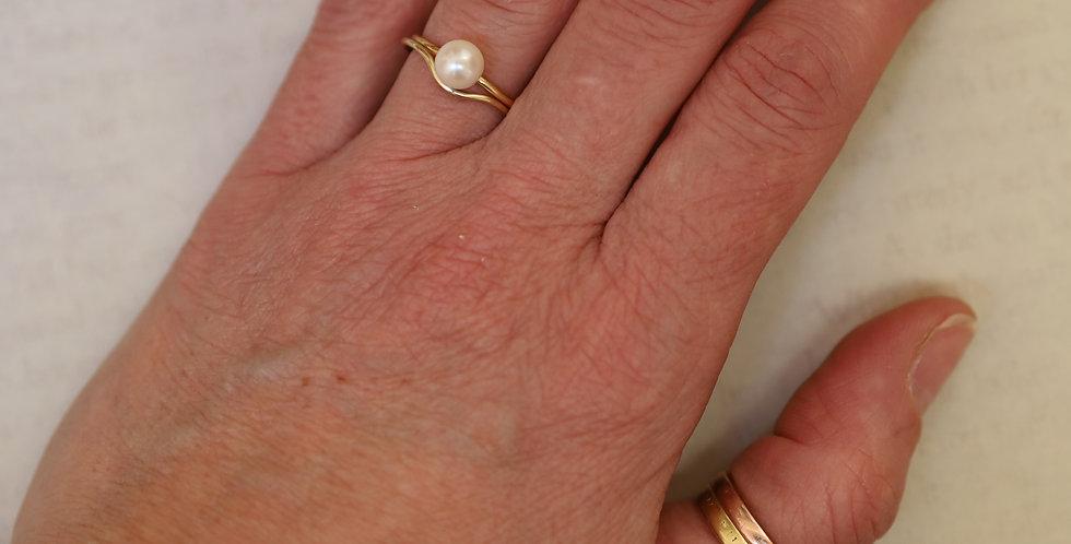 14k Gold Pearl Ring Vintage Circa 1960