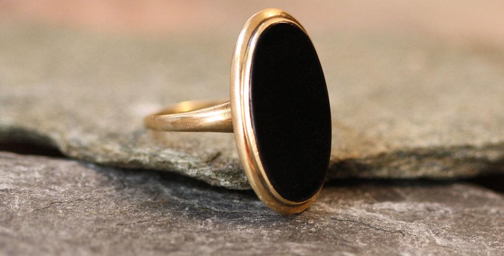 Fabulous Art Nouveau Onyx Ring in 10k Yellow Gold
