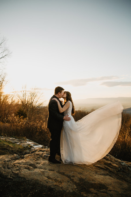 Benefits of Planning Your Wedding Around the Sun