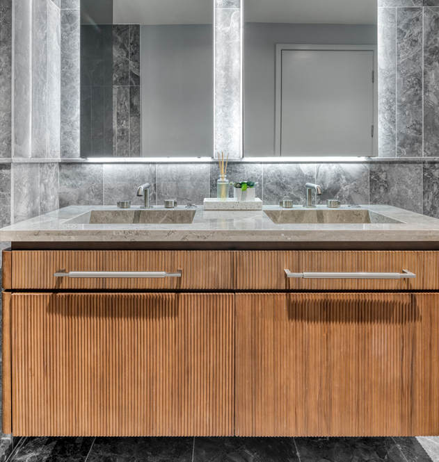 208 4-fiture primary bath.jpg