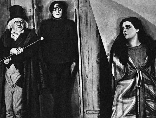 Still3_Caligari.jpg