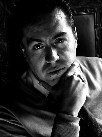 Jorge Magaña b_n.jpg
