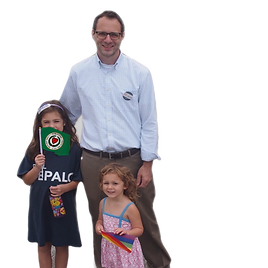 PAUL%20WITH%20GIRLS%202_edited.png