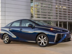 Toyota Mirai 2017 - Veículo híbrido de célula de combustível a Hidrogênio.