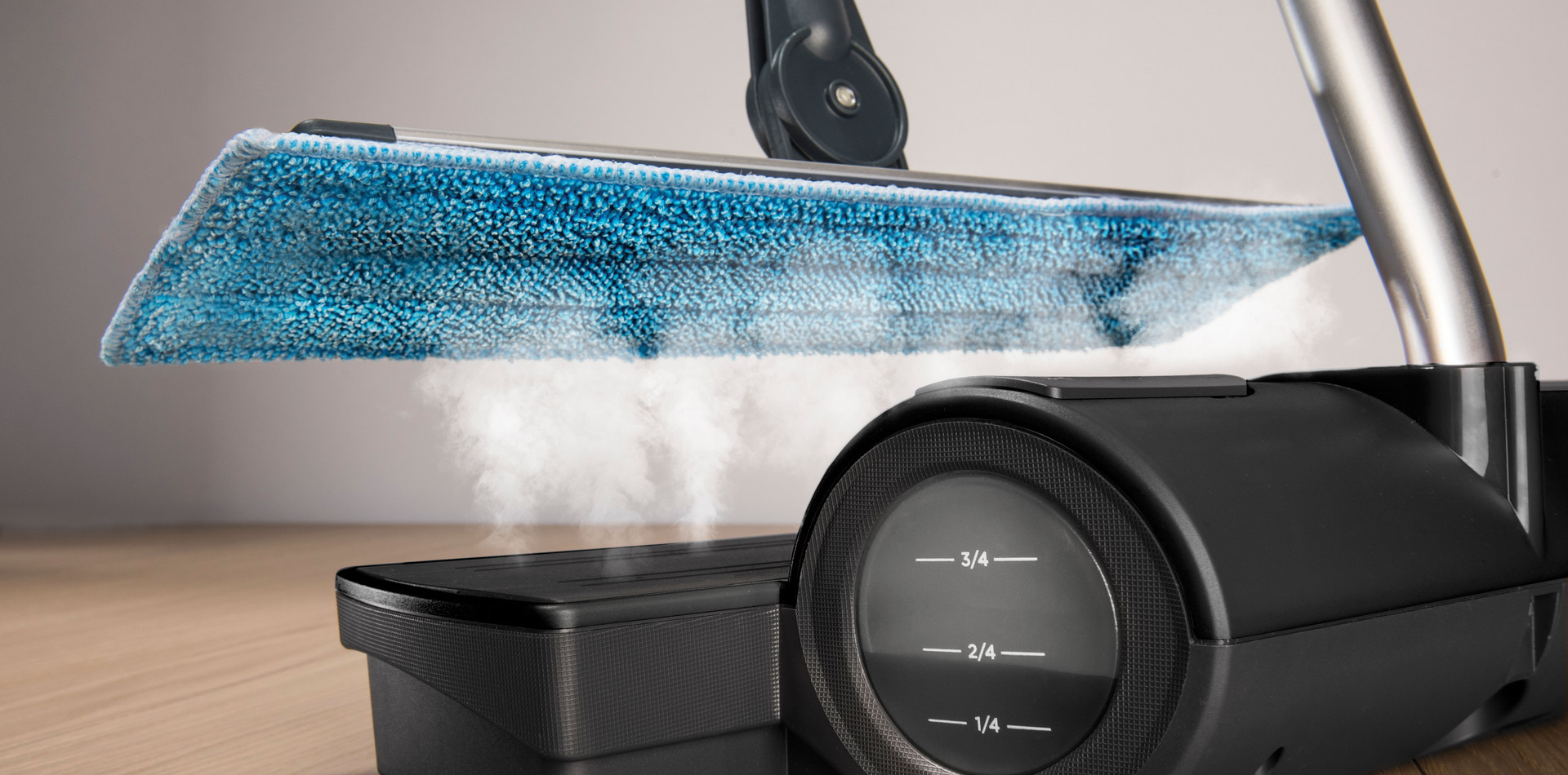 Moppy Black Premium - Sanitizes using natural high temperature steam without chemicals