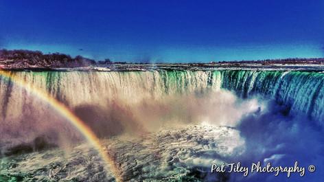 niagra falls canadian side with rainbow_