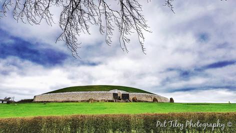 Newgrange_wm.jpg