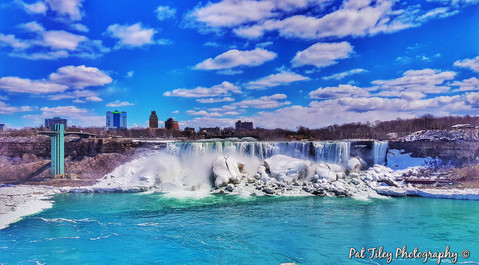 The US Falls - Frozen - Niagra Falls_wm.