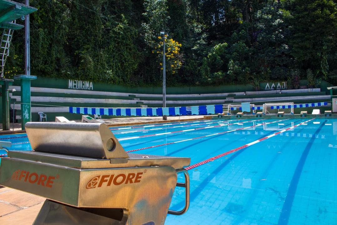 piscina2.jpeg