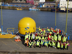 Educational trip to wave power device