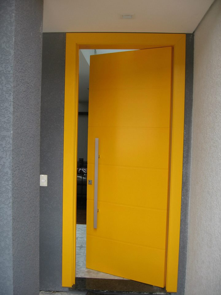Porta amarela 01