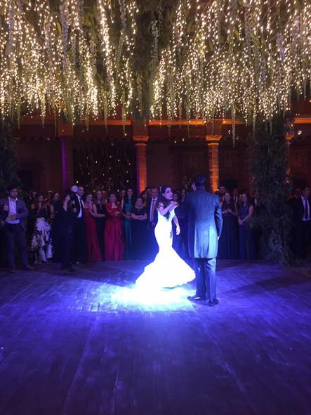Iluminación en Pista de Baile