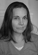 Nina Lövehagen_grå.jpg