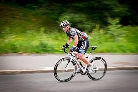 Cyklister och kontraster