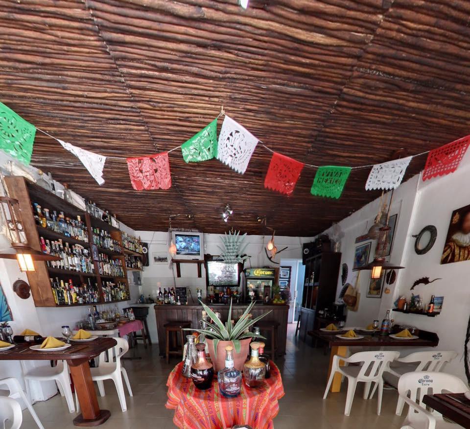 Mahahual Quintana Roo México. Restaurante Fernando's 100% Agave