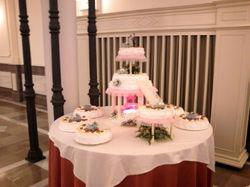 Tarta de boda con fuente.