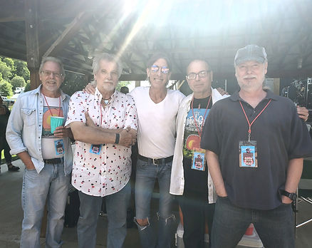Jeff Howell with band.jpg