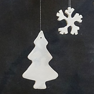 Tannenbaum mit Schneeflocke