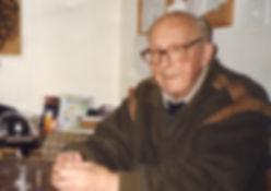 Komponist Hermann Meier in Zullwil im Jahr 2000