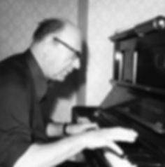 Hermann Meier am Klavier 1979