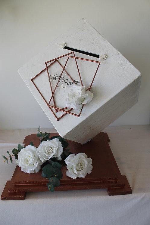 LOC082 - Cagnotte cube blanc socle Cuivre ou Or