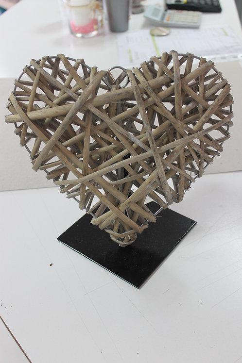 LOC210 - Coeur osier 25 et 30cm + socle noir
