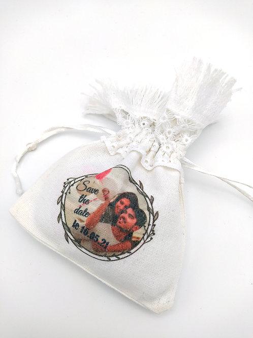 Sachet blanc dentelle crochetée