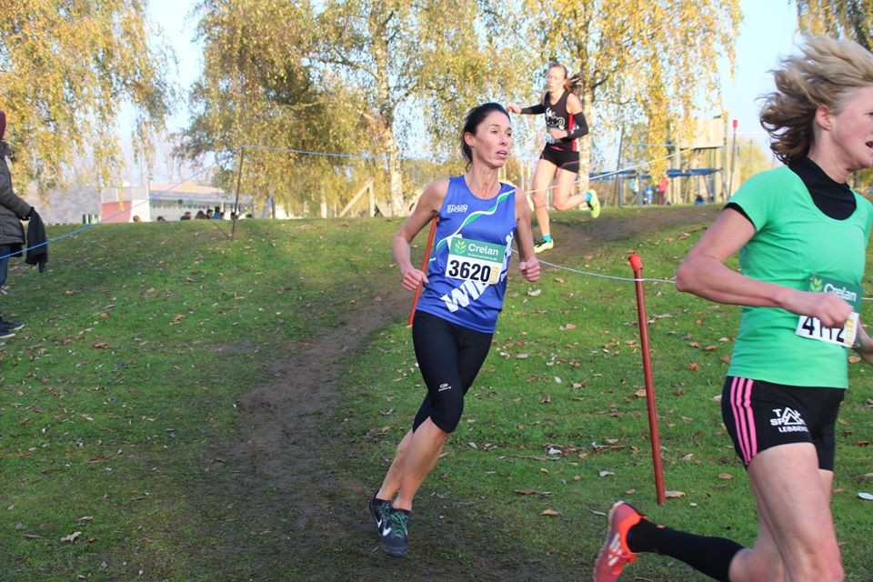 Karen Van Herck zal de sterke Els Van Hooydonck, hier vlak voor haar, nog inhalen. Het zilver is binnen!