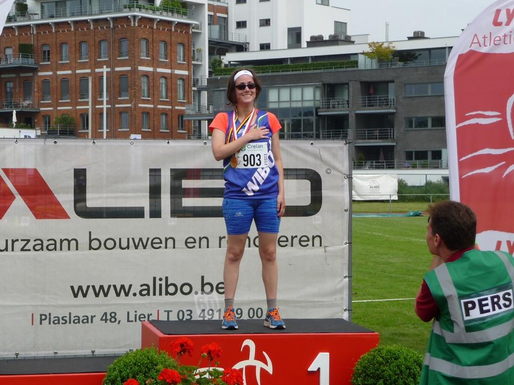 De gouden medaille en het Belgisch volkslied voor Annelies Nauwelaers!