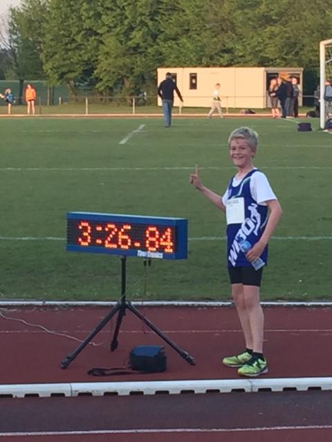 Pupil Milan Bevers terecht fier na zijn eerste 1000 meter!