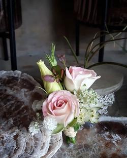 Passender Anstecker für den Bräutigam