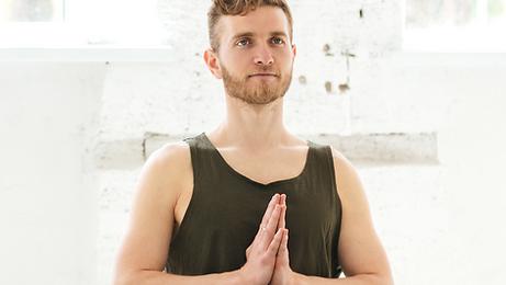 Hatha jóga pro začátečníky i pokročilé.