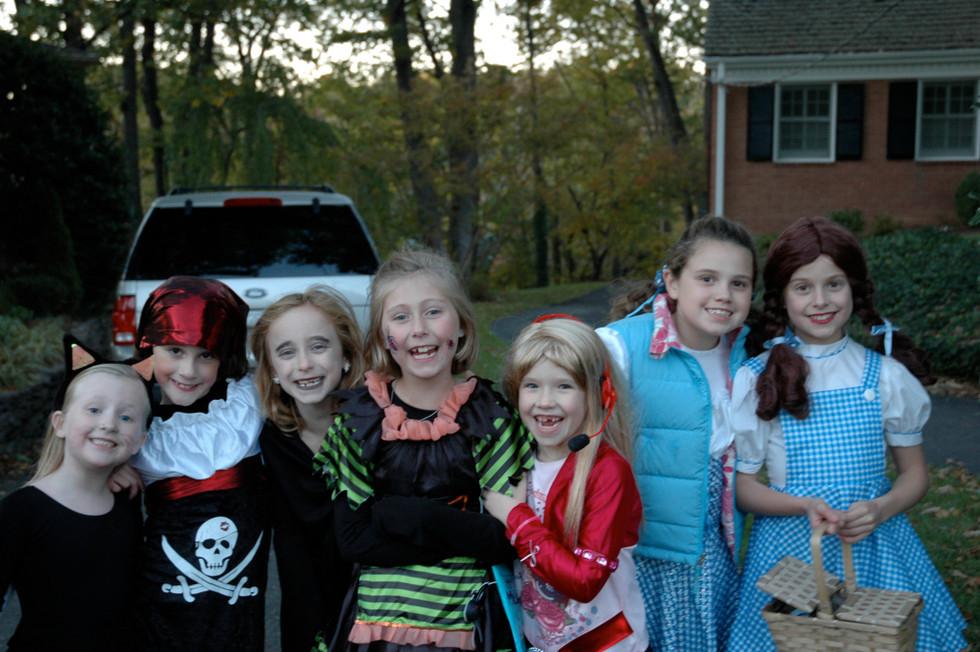 girls halloween.jpg