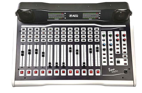 AEQ BRAVO TT, Consola 12 Faders, Amplif. 10W, CUE, Talkback, 2Hibri. Telf. Incl.