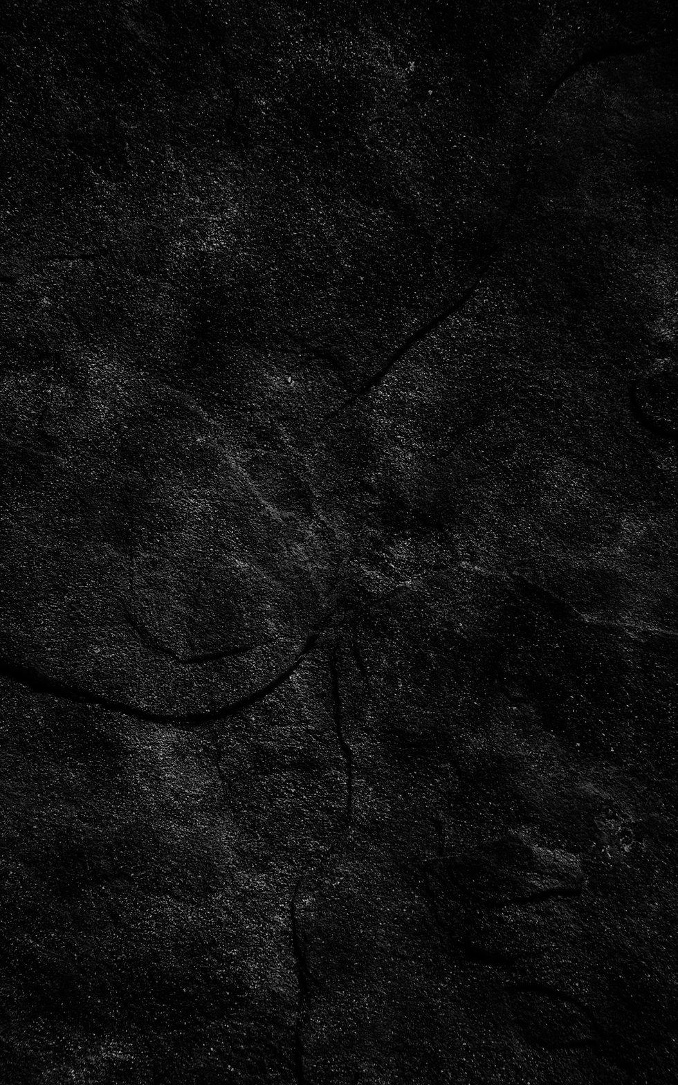 vert 4k-black-stone-background-cracked-s