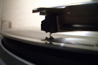 The Vinyl Resurgence - A New Beginning or a Rediscovery?