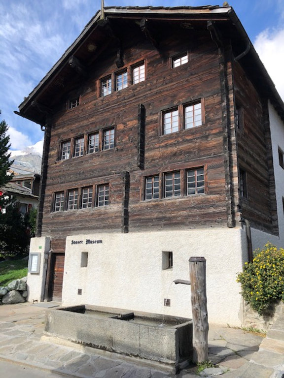 Museum in Saas-Fee.jpg