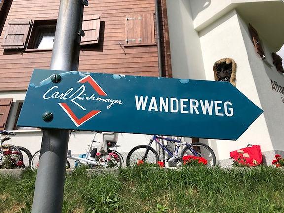 Carl-Zuckmayer-Weg 3.jpg