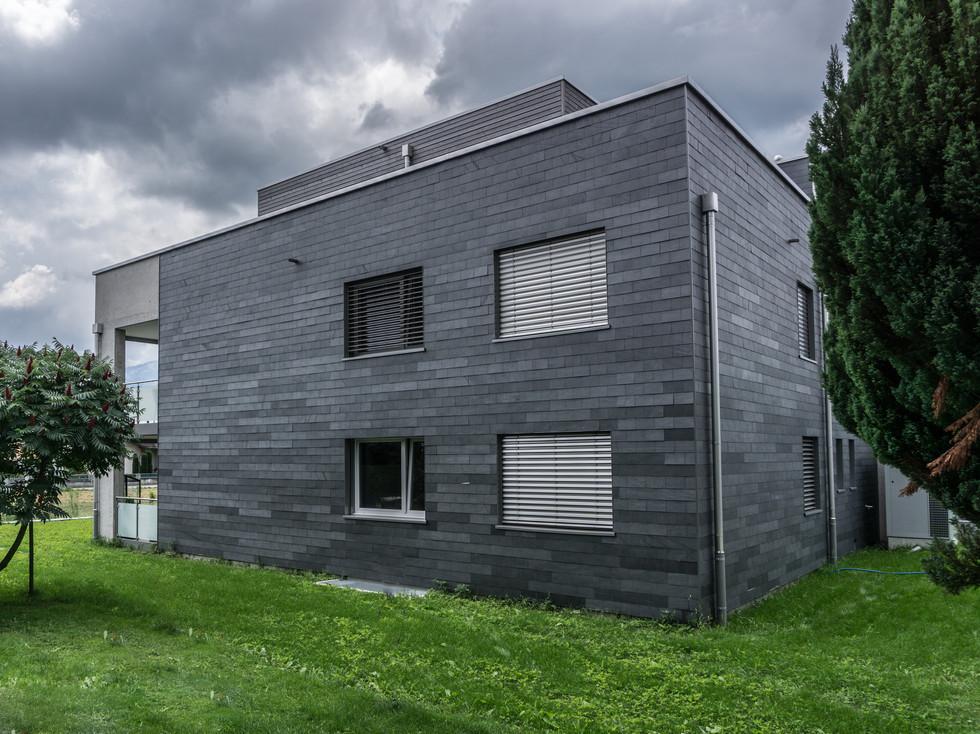 Neubau Naturschiefer Fassade
