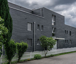 Fassadenarbeit Naturschiefer Neubau